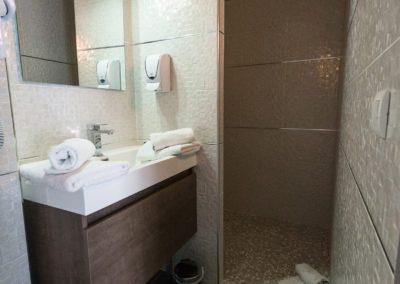 hotel-hw-sanary-classic-salle-deau-14
