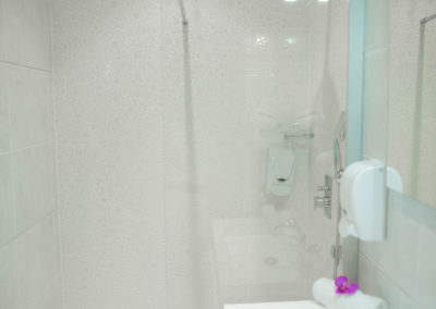 hotel-hw-sanary-superieur-salle-deau-01