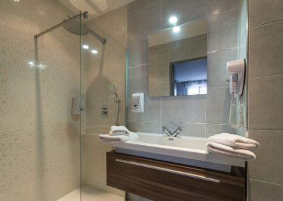 hotel-hw-sanary-superieur-salle-deau-05