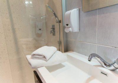 hotel-hw-sanary-superieur-salle-deau-06
