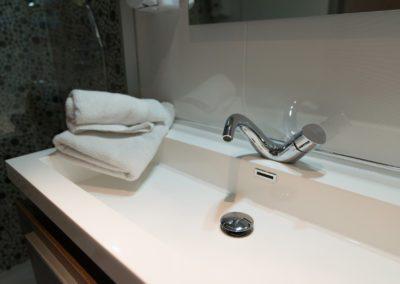 hotel-hw-sanary-superieur-salle-deau-08