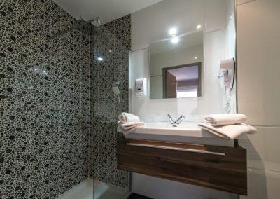 hotel-hw-sanary-superieur-salle-deau-12